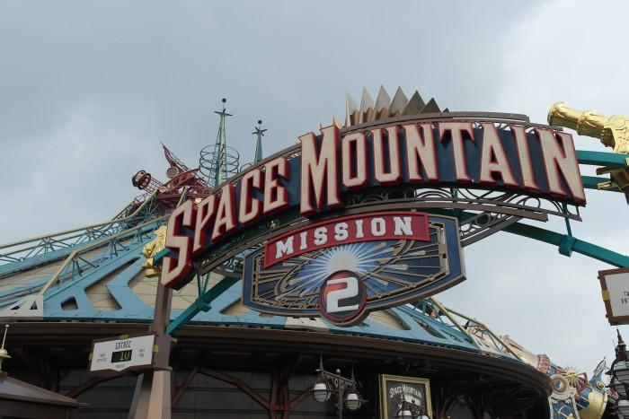 Disneyland Eingang Space Mountain