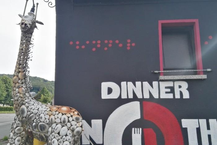"""Blind für einen Abend: """"Dinner in the dark"""" in Minden-Häverstädt"""