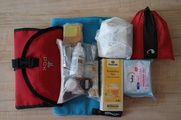 Kulturtasche, Handgepäcks-Tüte und weitere Hygiene-Artikel