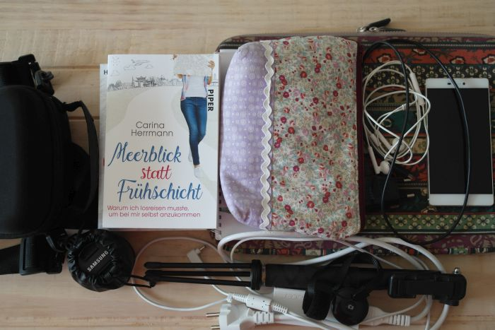 Laptop und weitere elektronische Geräte für meine Arbeit als digitale Nomadin