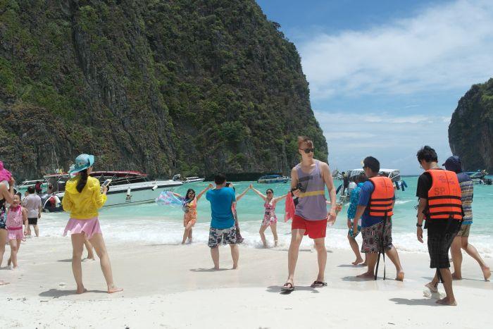 The Beach und die angeblich gesperrte Maya Bay: Wie ein Paradies den Bach runtergeht