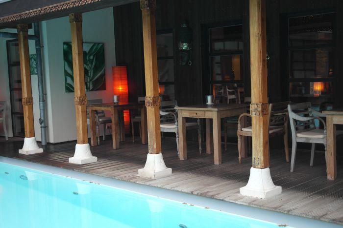 Leben à la carte: Gastronomie außen Atriumpool Bali Therme
