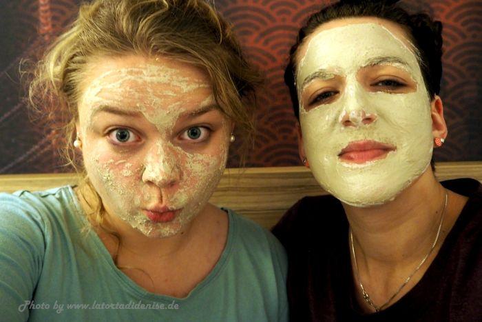 Leben à la carte: Pyjama-Party mit Gesichtsmasken