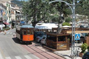 """Tren de Sóller auf Mallorca: Ein Ausflug mit dem """"Roten Blitz"""" von Palma nach Port de Sóller"""